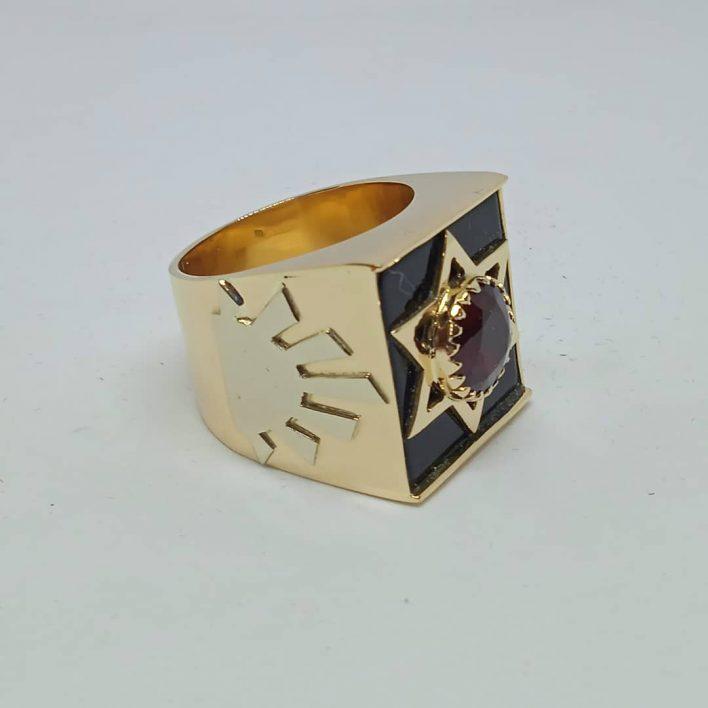 Anel Jaguar em Ouro Estrela com Pedra